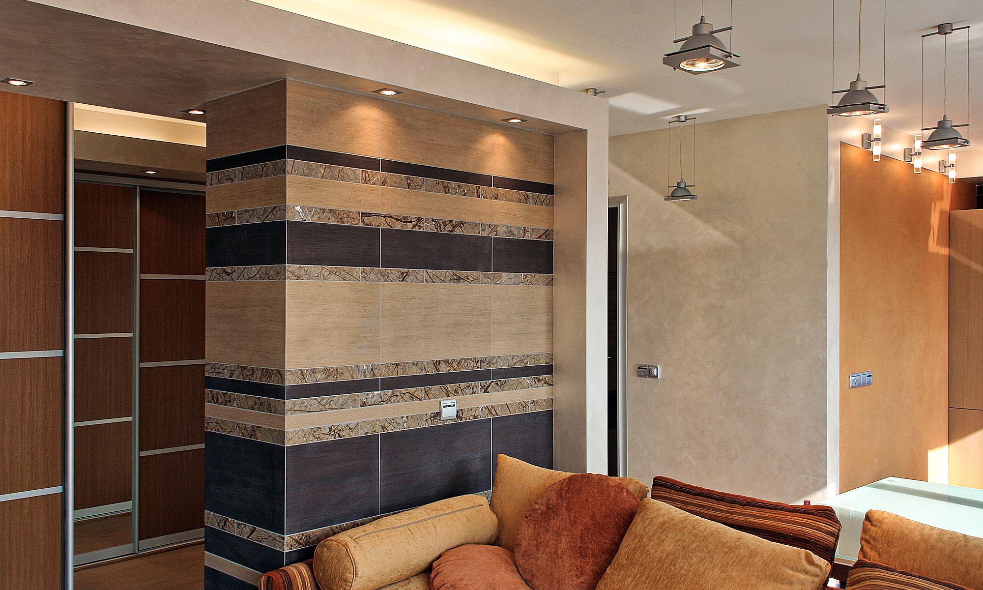 Стена гардеробной